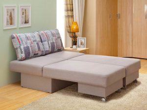Диван кровать трансформер в небольшой комнате