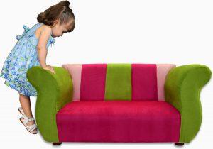 Маленький диванчик для малышей