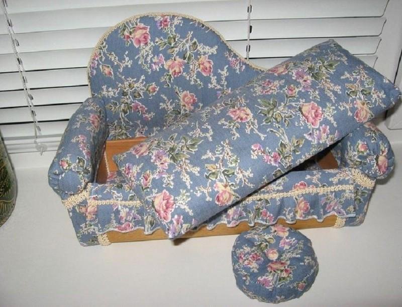 Как сделать своими руками кукольный диван своими руками