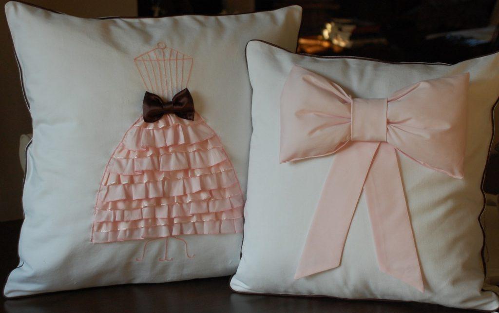 Как сделать декоративную подушку своими руками для начинающих