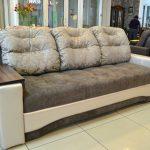 Подлокотники дивана – функциональный и красивый элемент