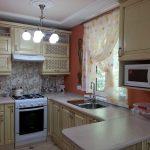 Тонкости размещения люстры на кухне