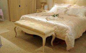 Банкетка прикроватная в спальню