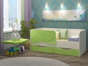 Уютный диван-кровать с бортиком