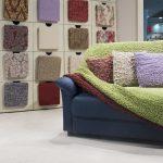 Чехлы для дивана: преимущества использования и критерии выбора