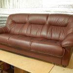 Перетяжка дивана: основные особенности  выбора ткани