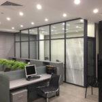 О преимуществах использования стеклянных перегородок
