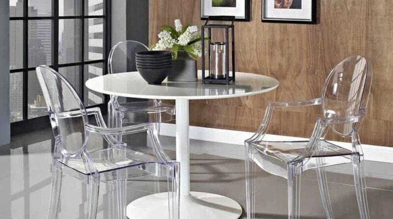 Пластмассовые стулья